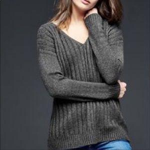 Gap Wool Blend Ribbed V-Neck Sweater -Size: M